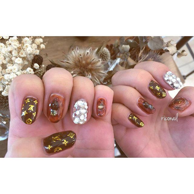 チョコレートカラーのルイヴィトンなネイル#riconail #HEARTY #abond #nail #nails #gelnail #gelnails #nailart #instanails #nailstagram #beauty #fashion #nuancenail #brown #luisvuitton #valentinesday #ネイル #ジェルネイル #ネイルデザイン #ニュアンスネイル #ルイヴィトンネイル #シアーネイル @riconail123