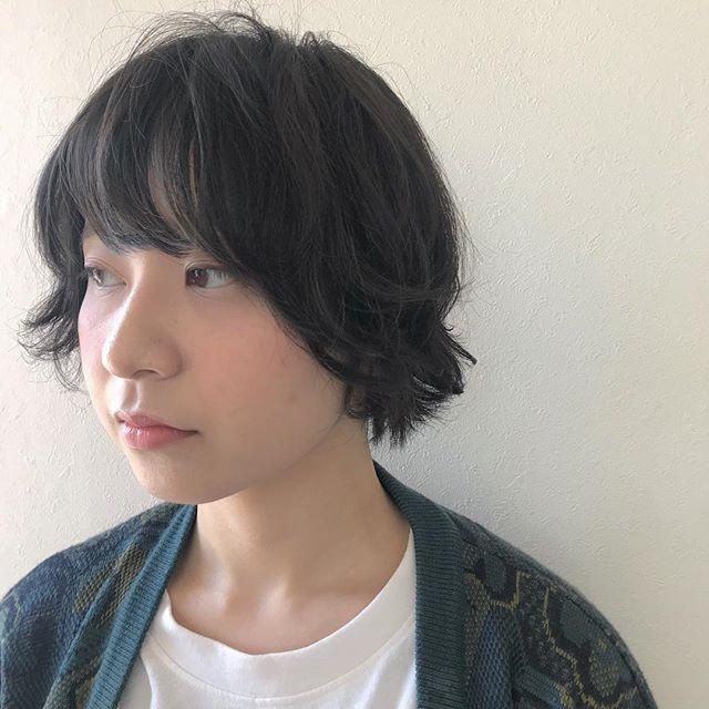 担当シオリ @shiori_tomii ハイトーンから透明感抜群な暗めなグレージュにトーンダウン#abond #shiori_hair #グレージュ#トーンダウン#高崎美容室