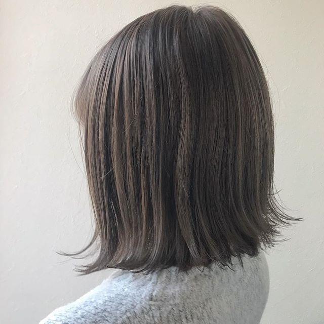 担当シオリ @shiori_tomii ハイトーンだけど色持ちがいいようくすみ感のあるグレージュにしました♡#abond #shiori_hair #グレージュ#ベージュ#高崎美容室