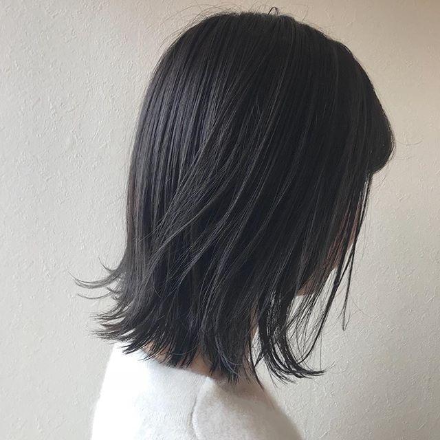 担当シオリ @shiori_tomii 王道なグレージュカラーでトーンダウン🐋🐋#abond #shiori_hair #グレージュ#トーンダウン#高崎美容室