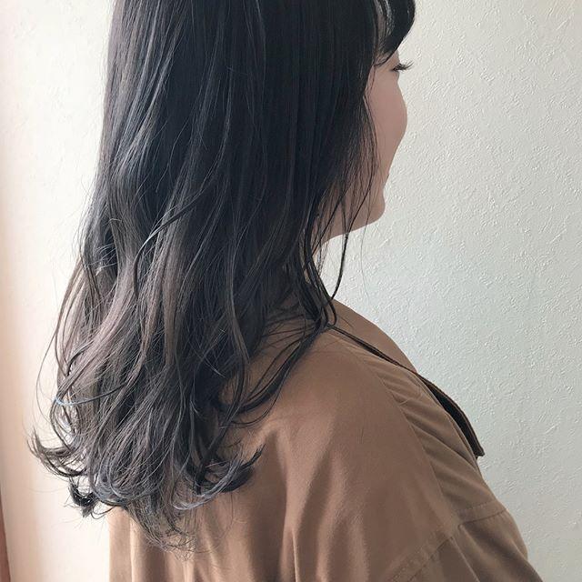 担当シオリ @shiori_tomii ラベンダーグレージュのグラデーションカラー🦕🦕#abond#shiori_hair #ラベンダーグレージュ#グラデーション#高崎美容室