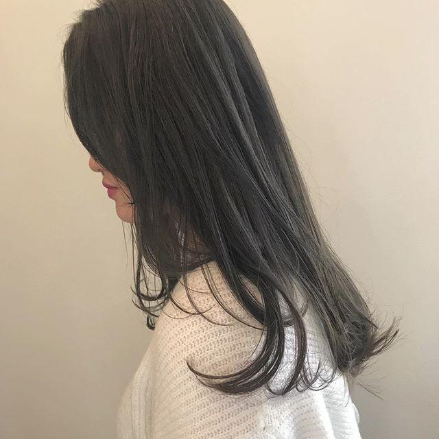 担当シオリ @shiori_tomii 透明感がたまりません透明感カラーはぜひお任せ下さい#abond #shiori_hair #グレージュ#透明感カラー #高崎美容室