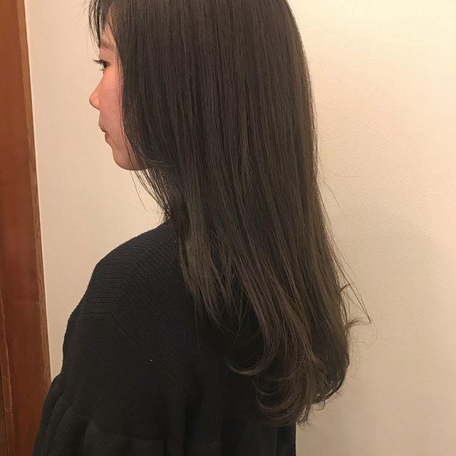 担当シオリ @shiori_tomii カーキベージュ#abond #shiori_hair #カーキベージュ#高崎美容室