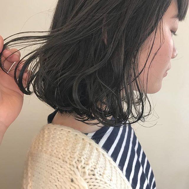 担当シオリ @shiori_tomii 透明感あるグレージュカラー🧚♂️#abond#shiori_hair #グレージュ#透明感カラー #高崎美容室