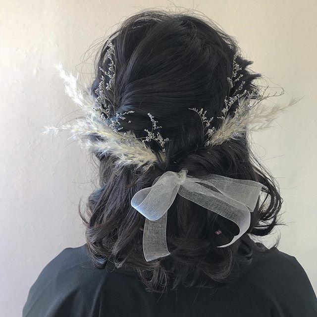 担当シオリ @shiori_tomii 大好きなみんなのヘアセット任せてもらえてしあわせです! 4/1からはHEARTY @hearty__s に移動しますのでご予約はそちらからお願いします♡#abond #shiori_hair #ハーフアップ#卒業式ヘア#成人式ヘア#ヘアセット#高崎美容室