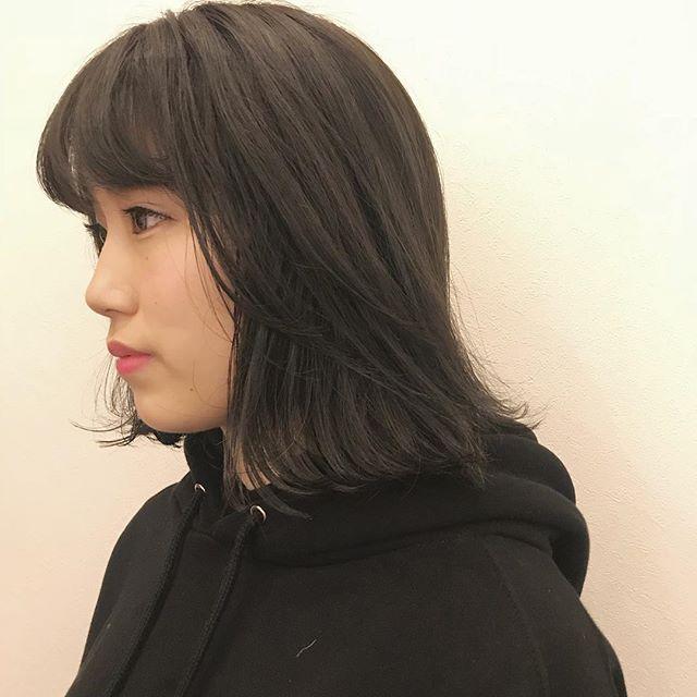 担当シオリ @shiori_tomii 大人気のグレージュカラー🐋🐋#abond #shiori_hair #グレージュ#高崎美容室