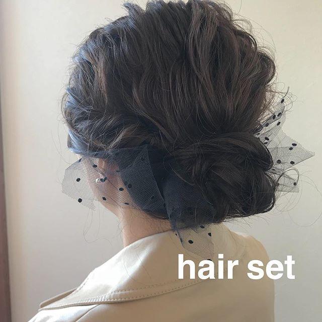担当シオリ @shiori_tomii すっきりまとめた大人ヘアセット🥂4/1からはHEARTY @hearty__s に移動しますのでご予約はそちらからお願いします♡#abond#shiori_hair #ヘアセット#ヘアアレンジ#高崎美容室