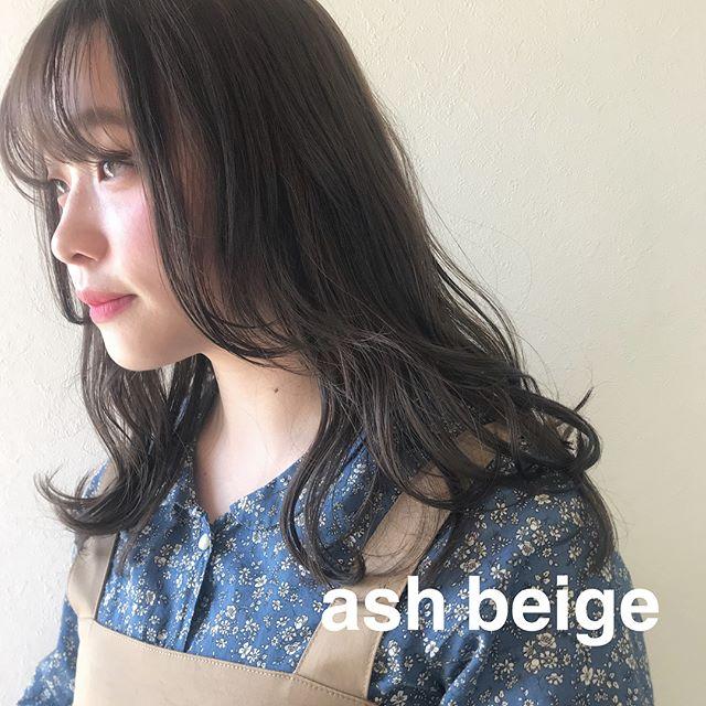 担当シオリ @shiori_tomii 透明感と柔らかさにこだわったアッシュベージュ4/1からはHEARTY @hearty__s に移動しますのでご予約はそちらからお願いします♡#abond#shiori_hair #アッシュベージュ#高崎美容室