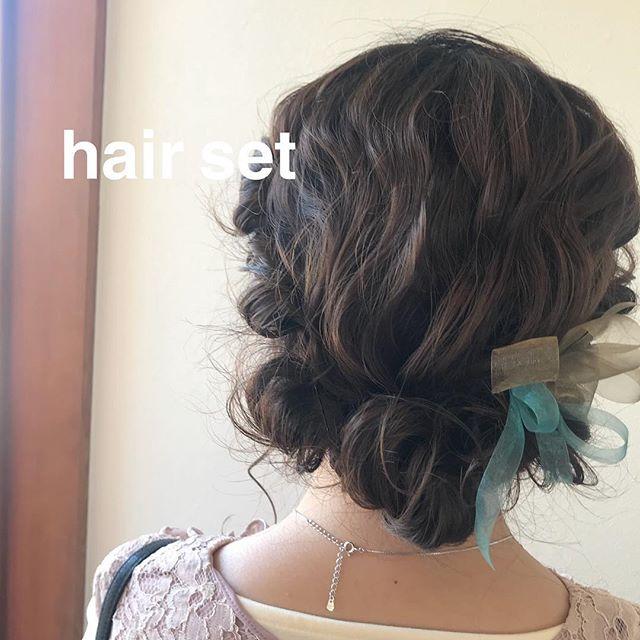 担当シオリ @shiori_tomii 結婚式ヘアセットもお任せ下さい4/1からはHEARTY @hearty__s に移動しますのでご予約はそちらからお願いします♡#abond#shiori_hair #ヘアセット#ヘアアレンジ#高崎美容室