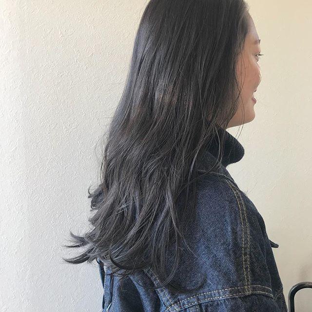 担当シオリ @shiori_tomii ブリーチせずにくすみ感のあるアッシュカラーに#abond #shiori_hair #アッシュ#高崎美容室#高崎