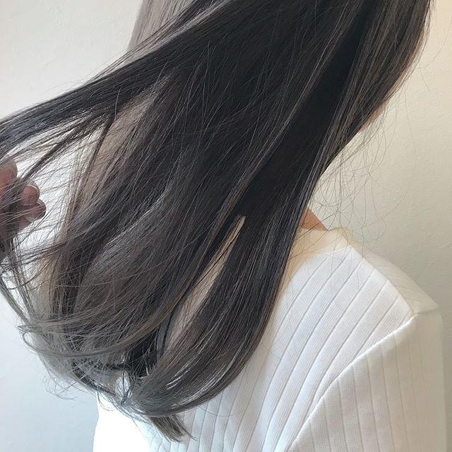 担当シオリ @shiori_tomii ラベンダーグレージュ大人気です4/1からはHEARTY @hearty__s に移動しますのでご予約はそちらからお願いします♡#abond #shiori_hair #ラベンダーグレージュ#高崎美容室