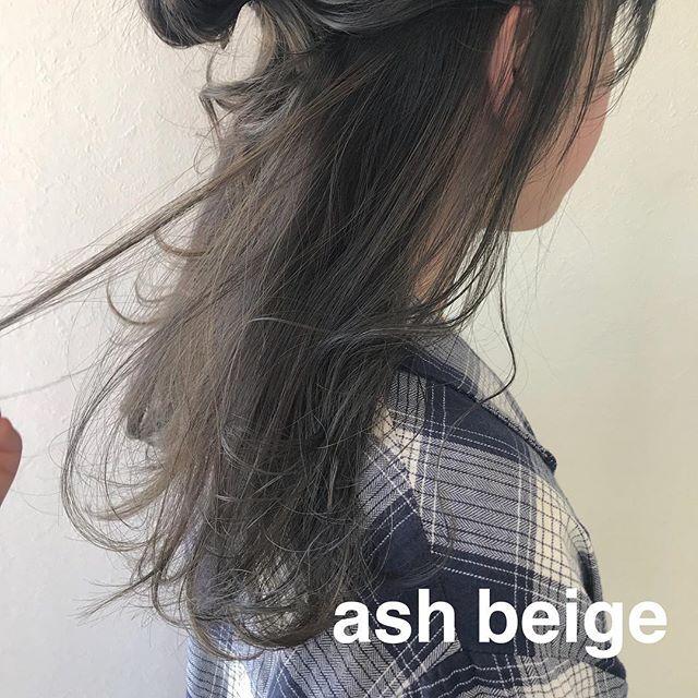 担当シオリ @shiori_tomii ブリーチなしのアッシュベージュcolor4/1からはHEARTY @hearty__s に移動しますのでご予約はそちらからお願いします♡#abond#shiori_hair #アッシュベージュ#高崎美容室