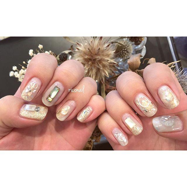 ネイルプレートが大きめの客様。パーツたくさん乗せました♩#riconail #HEARTY #abond #nail #nails #gelnail #gelnails #nailart #instanails #nailstagram #clear #pearl #beauty #fashion #nuancenail #ネイル #ジェルネイル #ネイルデザイン #ニュアンスネイル #ショートネイル #クリアネイル @riconail123