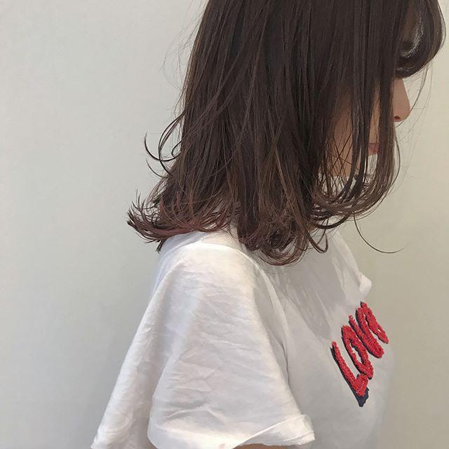 hair ... TOMMY ︎大人のインナーカラー♡ラベンダーベージュの中にインナーはチェリーピンク@abond_tommy #tommy_hair #abond#heartyabond#アボンド#インナーカラー #高崎#高崎美容室