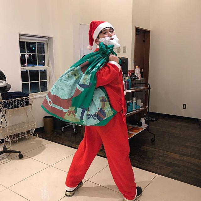 良い子にしていたのでサンタクロースがプレゼント持ってきてくれました #クリスマス #サンタクロース #大谷サンタ