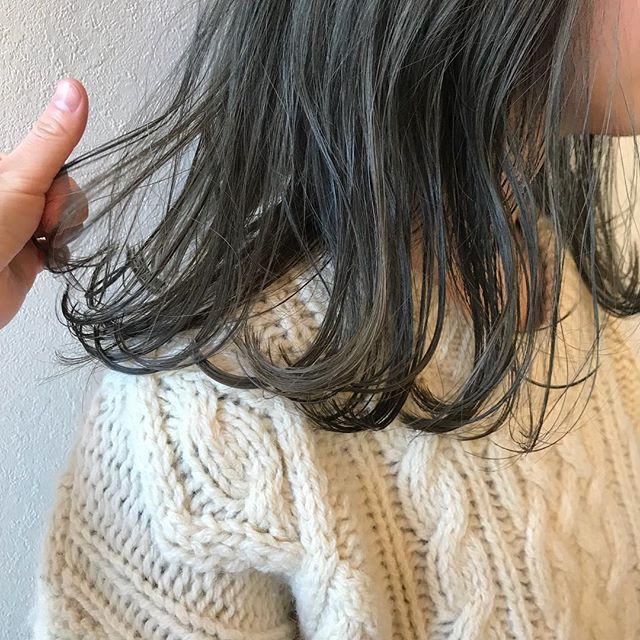 おはようございます年内ラスト2日!!!まだ若干空きがございますので、ぜひお待ちしております(^_^)♡ @abond_tommy #tommy_hair #abond#heartyabond #高崎#高崎美容室