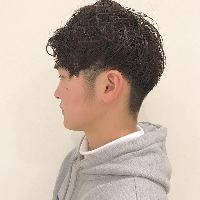 クールな前下がりマッシュショート︎前髪を下ろしてもあげてもカッコいいスタイルですメンズスタイルはお任せあれ担当:杉田#高崎 #高崎美容室 #abond #マッシュ #マッシュショート #メンズ #メンズショート