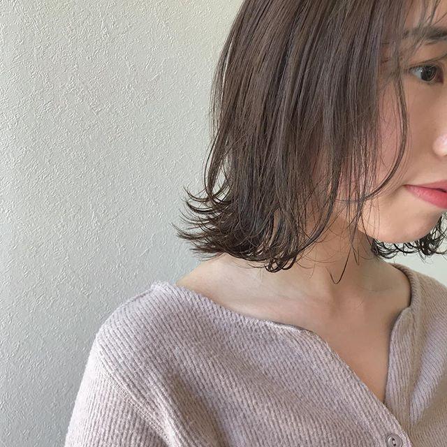 hair ... TOMMY ︎春はやわらかいカーキベージュがオススメ@abond_tommy @heartyabond #tommy_hair #heartyabond# abond#アボンド#高崎#高崎美容室 営業時間変更のお知らせ2019年3月から土日、祝日の営業時間が変更になります。... ...................................:.......................................【土曜 OPEN 9:00  CLOSE 19:00】【日曜、祝日  OPEN9:00  CLOSE 18:00】... ...................................:.......................................平日は通常通り10:00〜20:00の営業になりますのでお間違えのないようにお願いいたします。