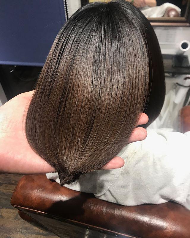 ロイヤルトリートメント無加工でこのツヤと綺麗さこれからの時期に特にオススメです️️ #美髪チャージ #ハーティー #トリートメント #艶髪 #高崎 #美容室 #エイジングケア #艶髪文化 #abond #アボンド #最新 #髪型 #髪質改善 #HEARTY #ケラチン