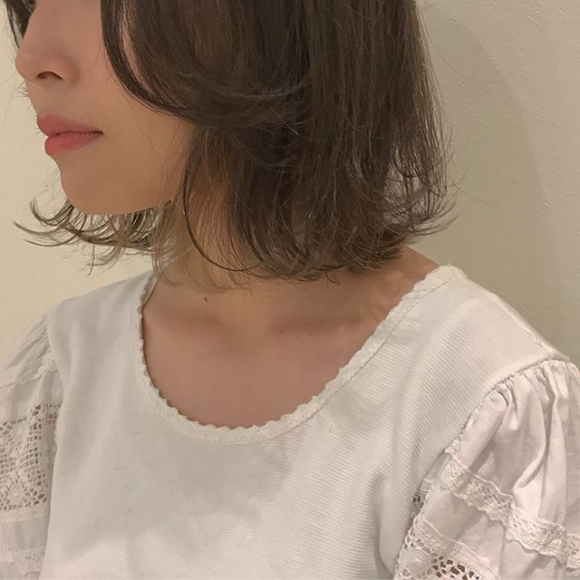 hair ... TOMMYBOBのインナーカラーはやっぱりかわいい(^_^) 期間限定新メニューのスペシャルトリートメント半額キャンペーン今月までです️ abond トリートメントスペシャルコース髪の中に蓄積されている不純物を取り除き、補修成分をたっぷりと注入️ 子供の髪のような柔らかい本当のツヤ髪にします今までのトリートメントで満足できなかった方是非一度お試しあれ.................................................................................新トリートメント導入の為、通常¥10,800のスペシャルトリートメントを6月中は半額の¥5,400で施術いたします※ネット予約の場合はメニューで「お試しトリートメント」を選択してください!お電話でご予約の際は「お試しトリートメント希望です」とお伝えください@abond_tommy #tommy_hair#高崎 #高崎美容室#群馬#ツヤ#艶#ヘアトリートメント#トリートメント#スペシャルトリートメント#hearty#abond