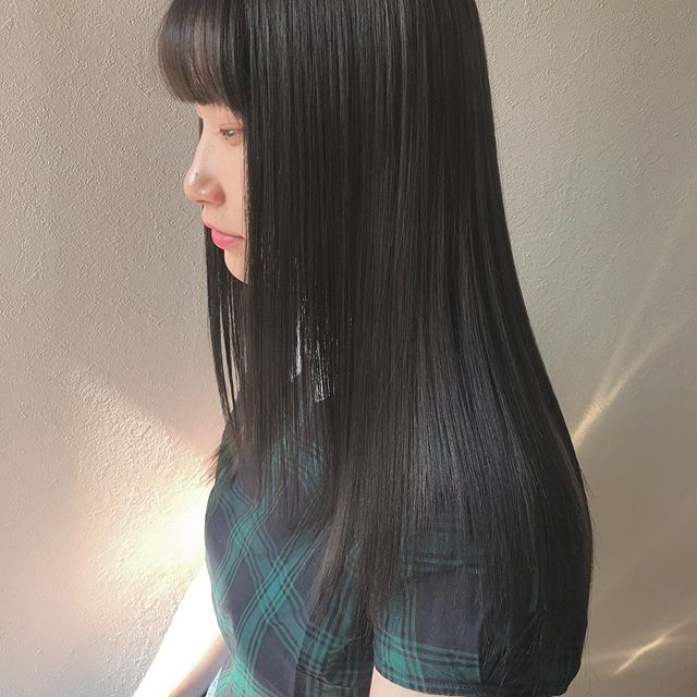 hair ... TOMMYabond トリートメントスペシャルコース髪の中に蓄積されている不純物を取り除き、補修成分をたっぷりと注入️ 子供の髪のような柔らかい本当のツヤ髪にします今までのトリートメントで満足できなかった方是非一度お試しあれ.................................................................................新トリートメント導入の為、通常¥10,800のスペシャルトリートメントを6月中は半額の¥5,400で施術いたします♀️※ネット予約の場合はメニューで「お試しトリートメント」を選択してください🤳お電話でご予約の際は「お試しトリートメント希望です」とお伝えください@abond_tommy #tommy_hair#高崎 #高崎美容室#群馬#ツヤ#艶#ヘアトリートメント#トリートメント#スペシャルトリートメント#hearty#abond