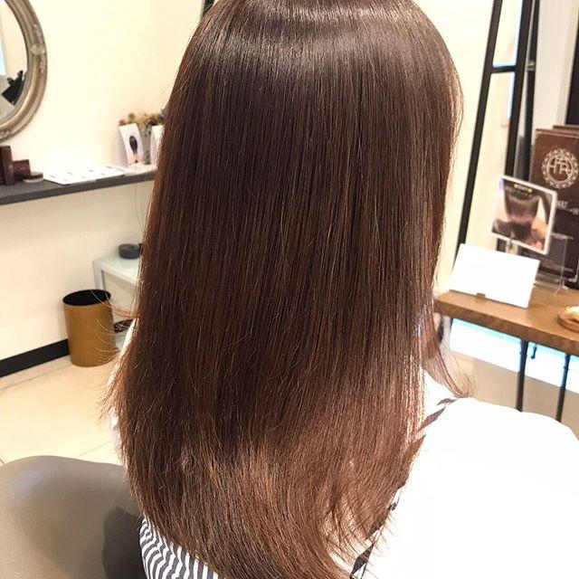 スペシャルトリートメント見違えるほど髪が良くなります髪の中の不純物を除去し、トリートメント成分をたっぷり注入️是非一度体験してください️#ツヤ髪#トリートメント#高崎#高崎美容室#abond#hearty#群馬#ダメージ毛#内部補修#女優髪