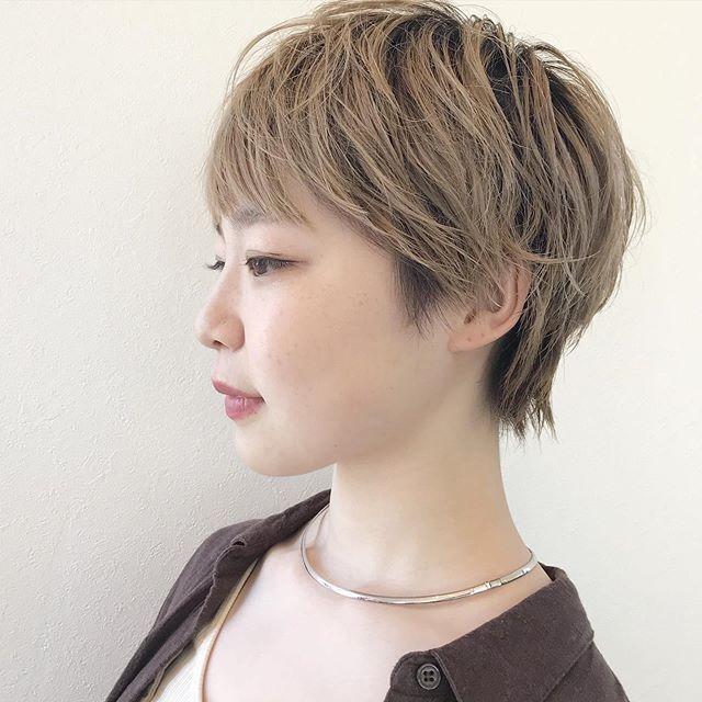 HEARTYアシスタントの石田さんをカット︎いつもより前髪を広めで短めに笑顔が素敵ですね@sugita.ryosuke#高崎 #高崎美容室 #abond #ボブ #ウルフ #ショート  #インナーカラー #ヘアセット #パーマ #ボブ #レイヤー