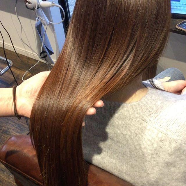 hearty royal treatment ⁂--髪の主成分であるケラチンを熱で溶かし込みながら髪の毛の中に入れていきます。形状が真っ直ぐなケラチンを入れていくのでクセも治ります。うねりやクセが気になる方は特にオススメしてます⁂--#美髪チャージ #ハーティー #トリートメント #艶髪 #高崎 #美容室 #エイジングケア #艶髪文化 #abond #アボンド #最新 #髪型 #髪質改善 #HEARTY #ケラチン