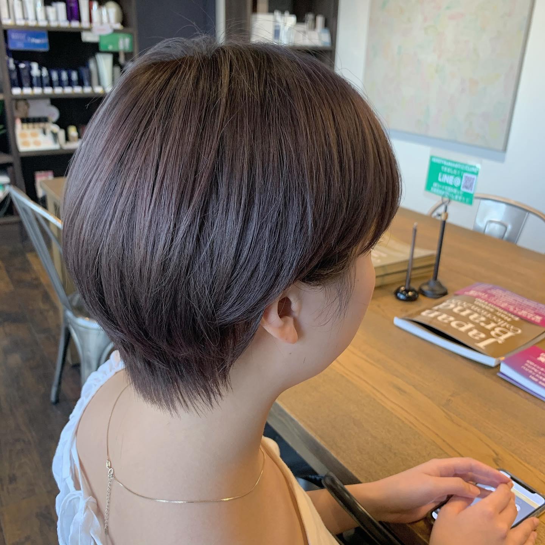 モカラベンダー️ HEARTYでは万全な換気、クロスやお席の消毒、スタッフとお客様の検温をさせていただいております。お客様同士の予約が重ならないよう、予約の管理などもしているのでご予約いただく方は安心してご来店ください。ですがこんなご時世なのでキャンセルなども遠慮なくおっしゃってくださいね!#hearty#shiori_hair #モカラベンダー#ラベンダーグレージュ #高崎美容室#群馬美容室#高崎#群馬
