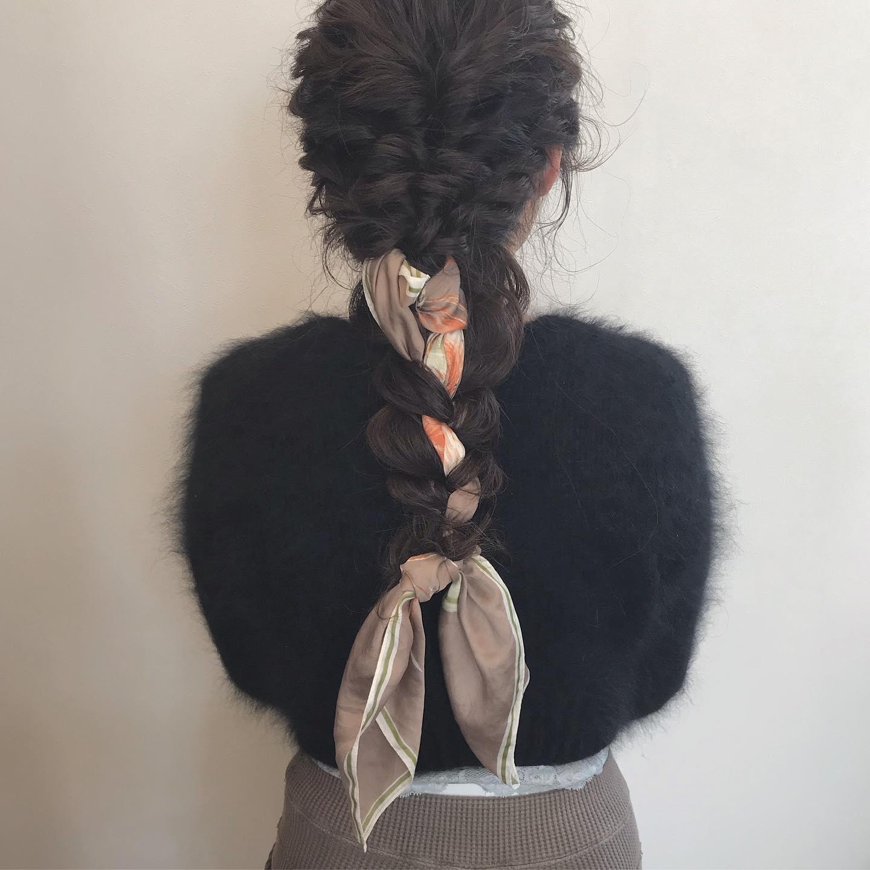 hair ... TOMMY ︎ @ribbon_ipe_anro かすみさんのback styleターバンを使った編み下ろし❣️ 仕上げは安定のミリオイル+ミリクリームバターのmixヘアアレンジにもよく使います HEARTYabondは、20日から通常営業に戻ります!それまでは時短営業となります♀️衛生管理をしっかりとし、お待ちしております@abond_tommy @heartyabond#tommy_hair #heartyabond#abond#カラー#ヘアカラー#アボンド#高崎#高崎美容室#ミリアンバサダー #ミリ #ミリ活