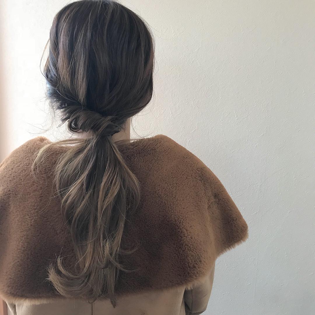担当シオリ @shiori_tomii 自分でもできる簡単アレンジかわいく見えるポイントを教えながら施術させてもらってます!#abond #shiori_hair #ヘアセット#ヘアアレンジ#hairarrange #高崎美容室
