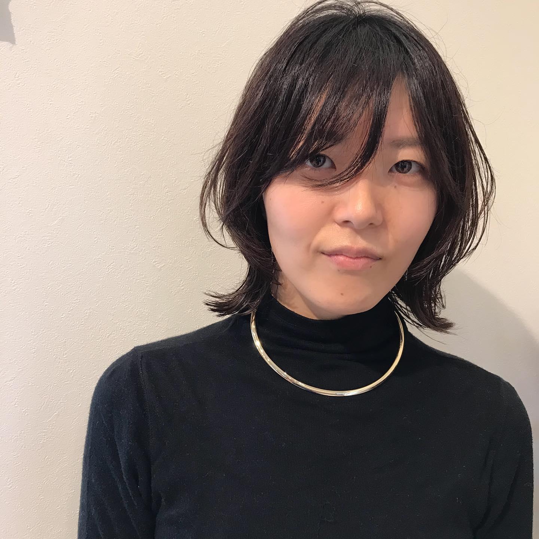 他店でカットした際にスキバサミで毛先ペラペラにされてしまった髪をウルフにカット︎扱いやすさ、再現性はカットで決まります。ぜひお任せください♂️@sugita_ryosuke
