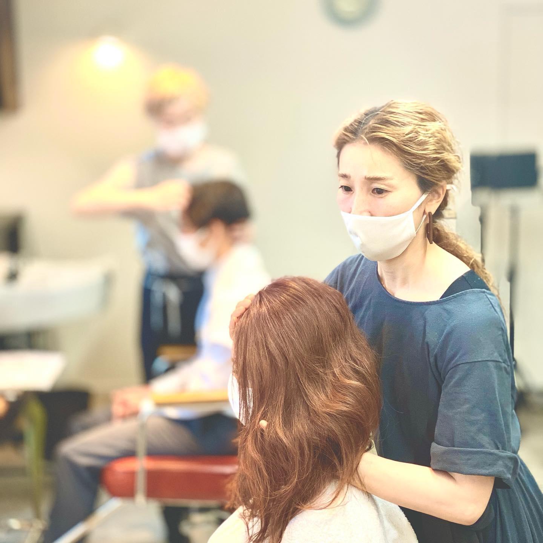 育毛・エイジングケア専門『Dia』での手技を取得中。育毛界で世界一の技術と知識を教えてもらっています。近日オープンの『Dia(ダイヤ)』未来の自分はどんな歳をとっているでしょうか?早めのメンテナンスで未来は変わっていきます。白髪の予防も育毛です。#育毛 #hearty #abond #エイジングケア #美容室 #美容院 #アデランス #手技 #白髪予防 #ハーティー #アボンド #高崎 #群馬 ##世界一 #頭皮ケア